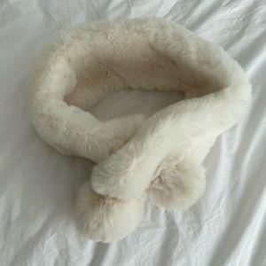White Faux Fur Collar